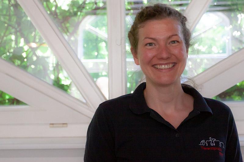 Dr. Johanna Paustian